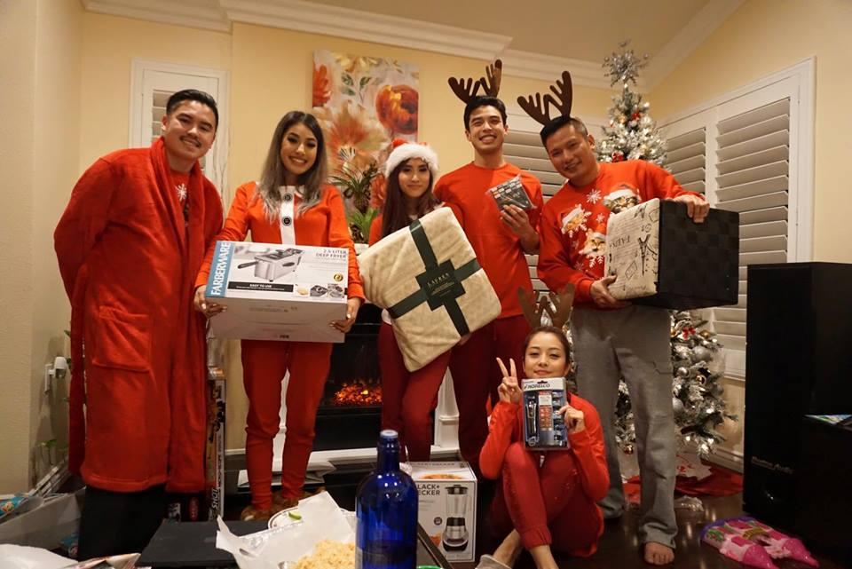 Jennifer Phạm 'tiết lộ' tiệc Giáng sinh tưng bừng ở Mỹ - Ảnh 19