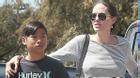 Pax Thiên bị thương chân khi du lịch Thái Lan cùng Angelina Jolie