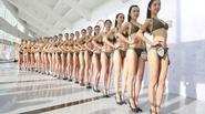 1.000 cô gái da trắng dáng chuẩn mặc bikini thi tuyển tiếp viên hàng không