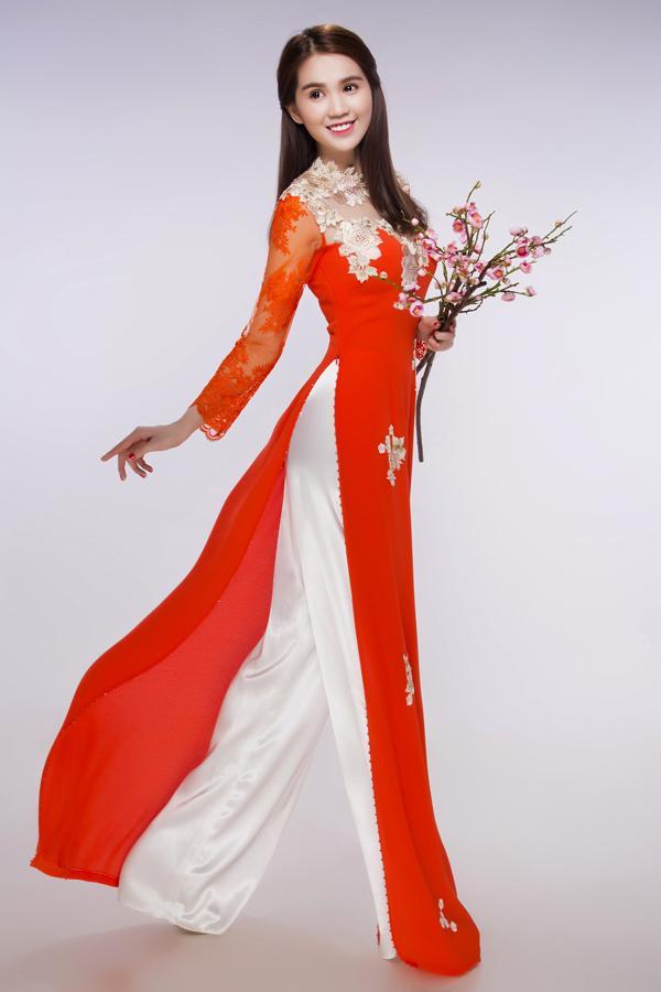 Ngọc Trinh đẹp như tiên nữ khi diện áo dài đón Tết - Ảnh 7