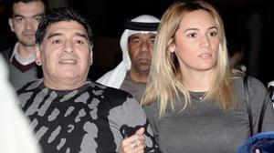 Maradona da mặt căng bóng mịn màng