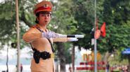 Tâm sự của nữ CSGT xinh đẹp làm việc xuyên Tết