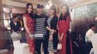 Trấn Thành - Hari Won công khai diện đồ đôi tại sự kiện