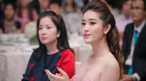 Mẹ của Huyền My - người mẹ hoàn hảo trong showbiz Việt