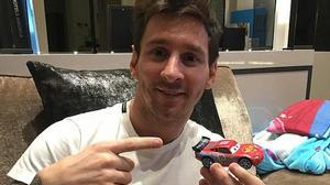 Sự thật thông tin Messi qua mặt Ronaldo mua siêu xe hơn 800 tỉ