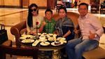 Facebook 24h: Cận bữa tiệc dát vàng của gia đình Huyền My tại Abu Dhabi