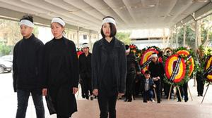 Những khoảnh khắc không thể cầm lòng trong tang lễ nhạc sĩ Lương Minh