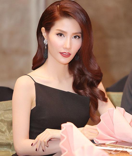 Loạt mỹ nhân Việt kém xinh vì mắc lỗi trang điểm  - Ảnh 1