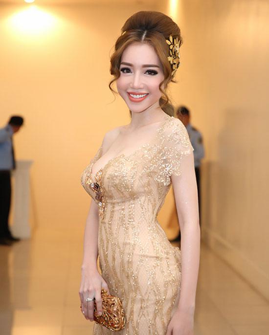 Loạt mỹ nhân Việt kém xinh vì mắc lỗi trang điểm  - Ảnh 3