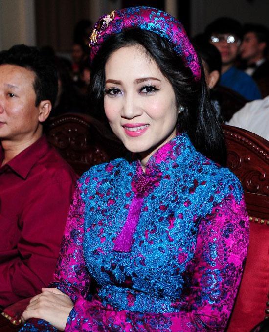 Loạt mỹ nhân Việt kém xinh vì mắc lỗi trang điểm  - Ảnh 6