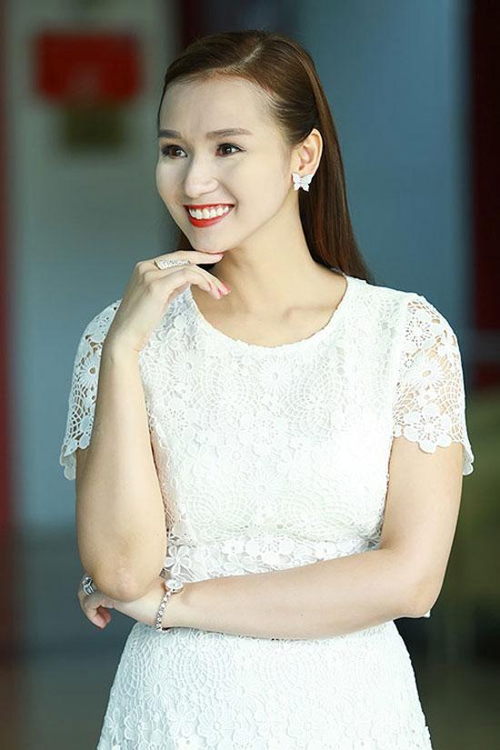 Loạt mỹ nhân Việt kém xinh vì mắc lỗi trang điểm  - Ảnh 4