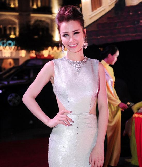 Loạt mỹ nhân Việt kém xinh vì mắc lỗi trang điểm  - Ảnh 5