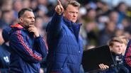 Man Utd thua thảm trong ngày Van Gaal xếp đội hình quái dị