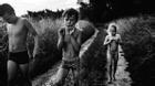 Bộ ảnh tuổi thơ tách biệt với công nghệ hiện đại