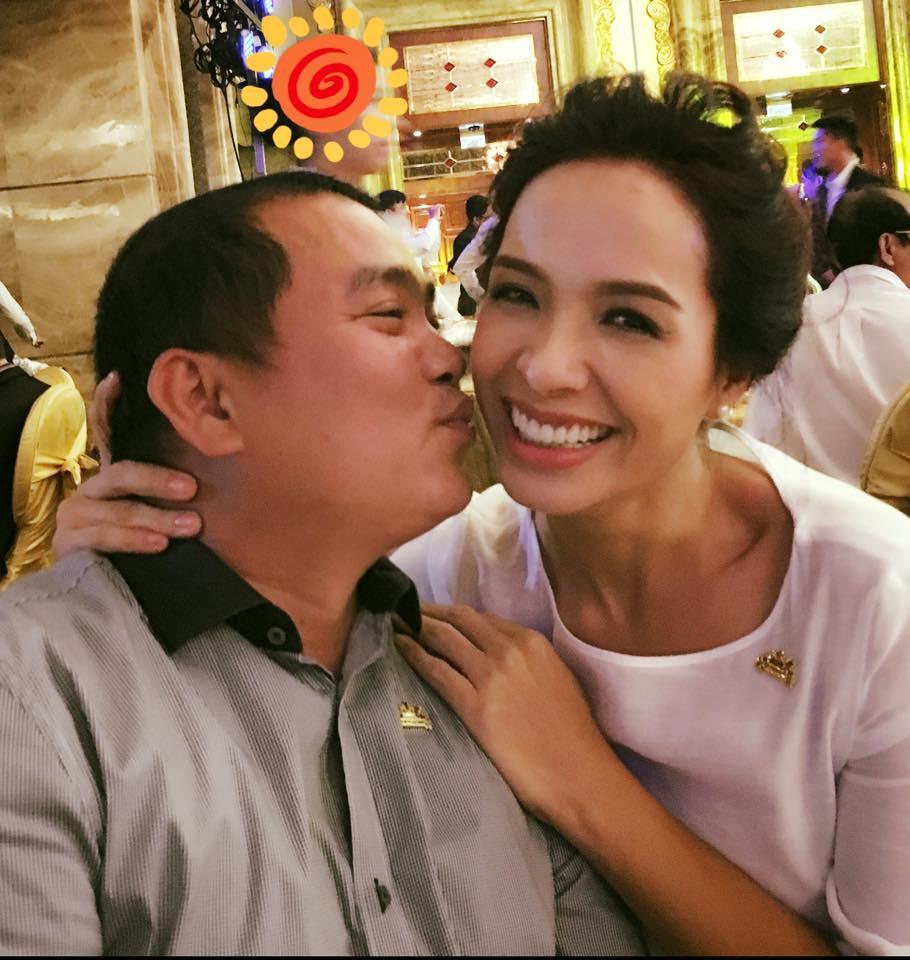 Facebook sao Việt: Thủy Tiên hết lời khen ngợi Trấn Thành ảnh 20