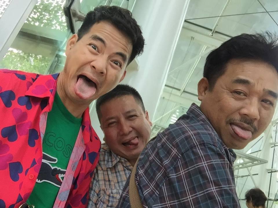 Facebook sao Việt: Vợ chồng  Jennifer Phạm ôm nhau trước mặt gia đình ở Đà Nẵng ảnh 9