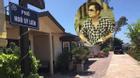 Thương nhớ quê hương, Bằng Kiều đề bảng tên các con phố Hà Nội trong căn nhà tại Mỹ