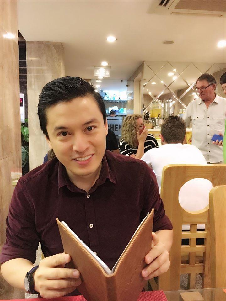Facebook sao Việt: Ngọc Trinh khuyên mọi người