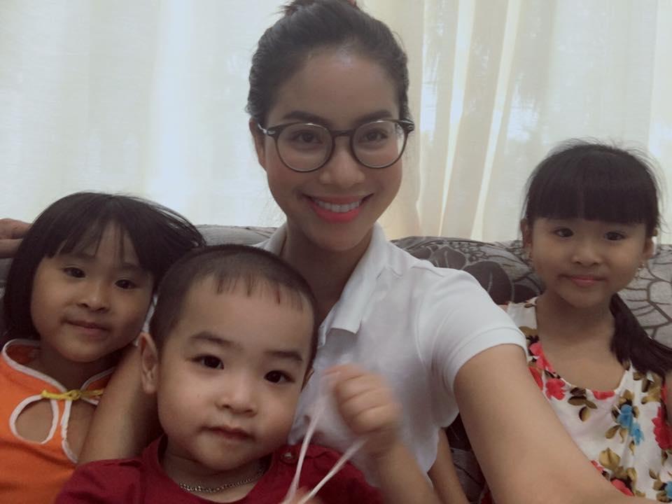 Facebook sao Việt: Hạ Vi để