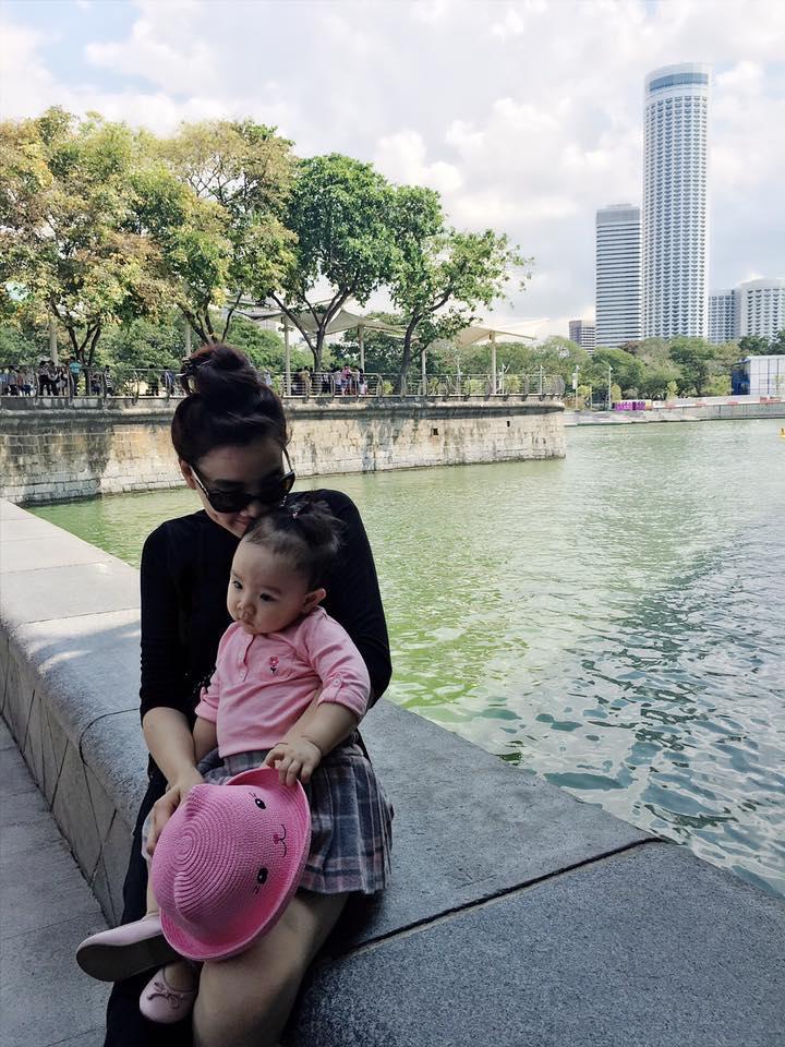 Facebook sao Việt: Hạ Vi để 'tâm hồn tự do' khi không có Cường đô la - Ảnh 12