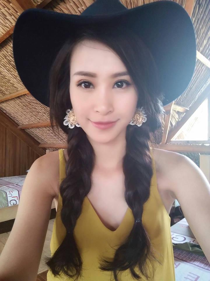 Facebook sao Việt: Vợ chồng Ưng Hoàng Phúc hạnh phúc đón con trai mới sinh về nhà - Ảnh 4