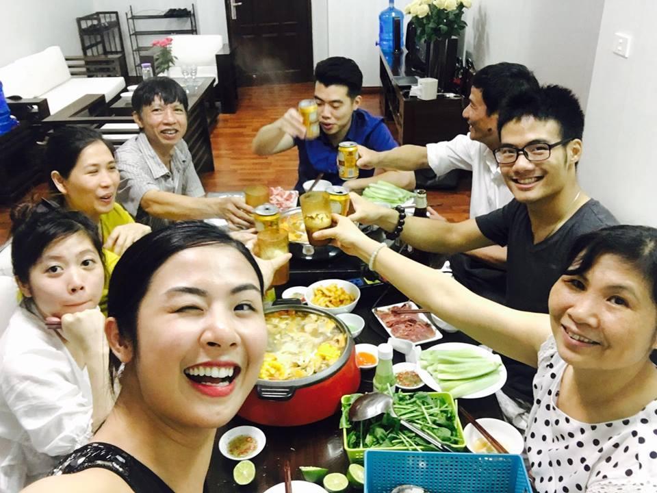 Facebook sao Việt: Vợ chồng Ưng Hoàng Phúc hạnh phúc đón con trai mới sinh về nhà ảnh 12