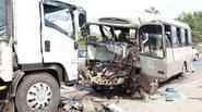 Hai ô tô đối đầu, 3 người chết, 20 bị thương