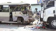Xe khách đối đầu xe tải, 21 người thương vong