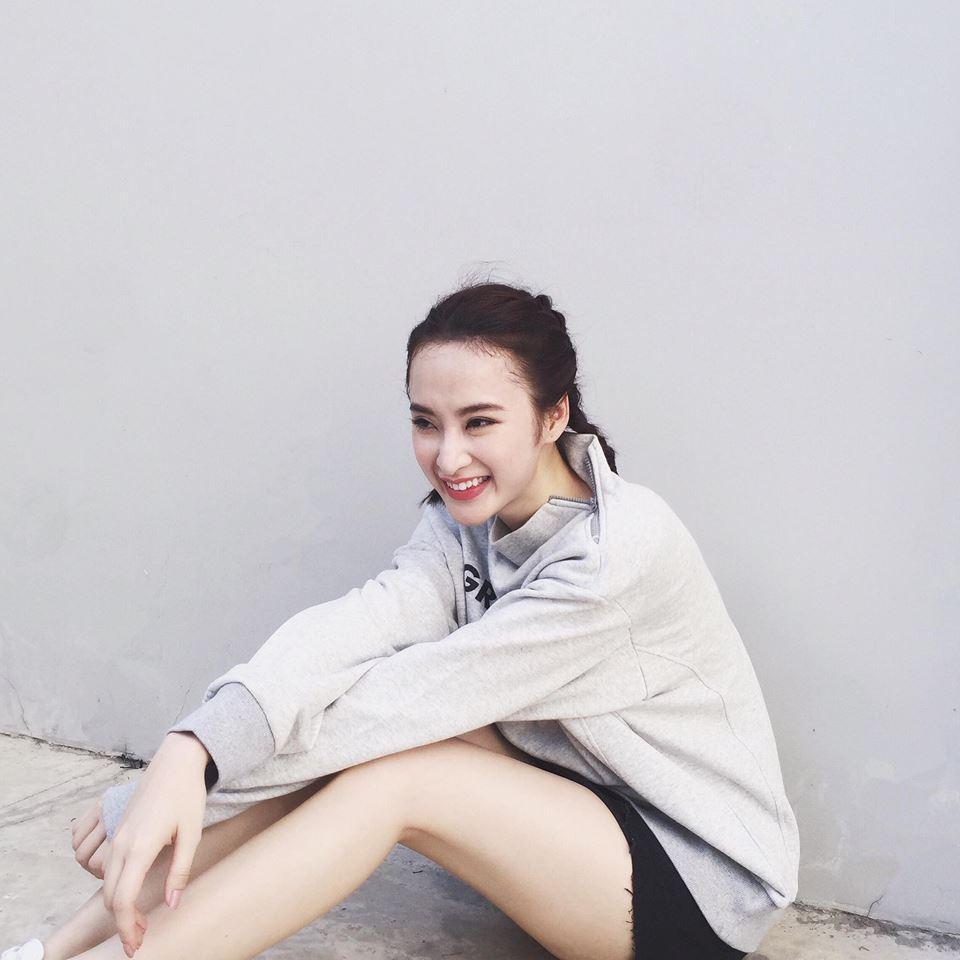 Facebook sao Việt:  Hồ Ngọc Hà cười thả ga khi đi nghỉ khiến fan ngất ngây - Ảnh 6