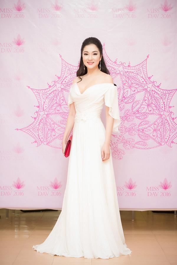 Không phải ai khác, Nguyễn Thị Huyền chính là Hoa hậu của các hoa hậu ảnh 6