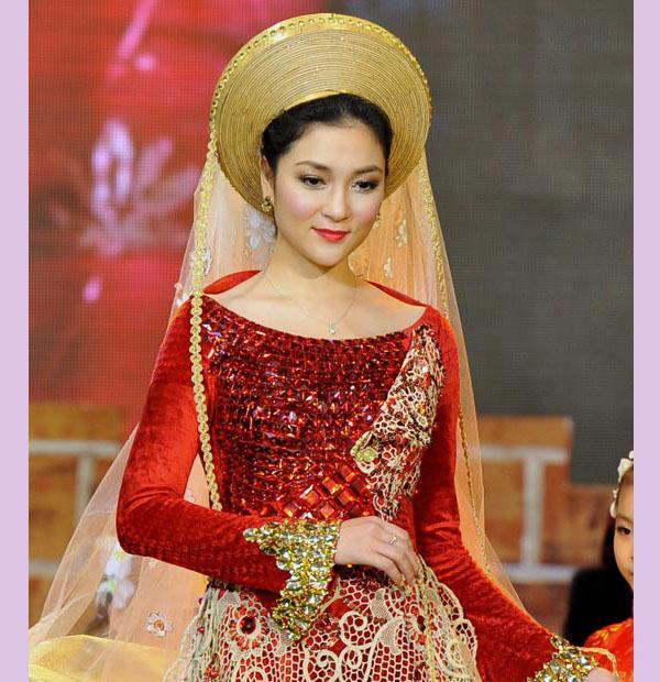 Không phải ai khác, Nguyễn Thị Huyền chính là Hoa hậu của các hoa hậu ảnh 8