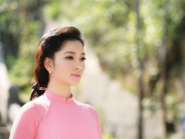 Không phải ai khác, Nguyễn Thị Huyền chính là Hoa hậu của các hoa hậu ảnh 9