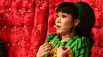 Danh hài Việt Hương hối lỗi với con gái vì mải mê kiếm tiền