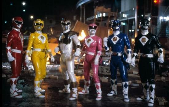 Trang phục của bản điện ảnh 1995 có sáng tạo nhưng trung thành với nguyên  gốc.