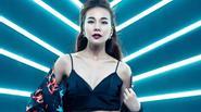 Thanh Hằng làm vedette show thời trang khủng tại Dinh Thống Nhất
