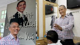 Chủ hiệu cắt tóc 7 năm treo ảnh Obama vì giống hệt