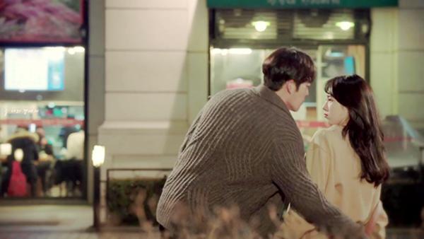 "Suzy đẹp ngất ngây trong teaser thứ hai của 'Uncontrollably Fond"""