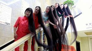 7 người phụ nữ nuôi tóc suốt 20 năm không cắt