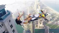 Choáng với trò nhảy tự do của các thanh niên Dubai
