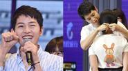 """Ghen tị """"phát hờn"""" với hình ảnh Song Joong Ki buộc tóc cho fan nữ"""