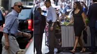 Vừa về Mỹ, Tổng thống Obama dẫn vợ dùng bữa ở nhà hàng