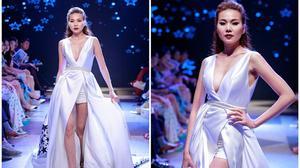Thanh Hằng diện váy đầy gợi cảm làm từ 25m vải