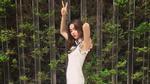 Facebook 24h: Hà Hồ thích thú khi ai nhìn ở ngoài cũng khen xinh ơi là xinh