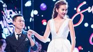 Show thời trang đậm chất công nghệ của Adrian Anh Tuấn