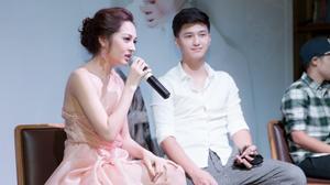 Bảo Anh phớt lờ khi được hỏi về chuyện tình yêu với Hồ Quang Hiếu