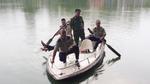 Nam thanh niên nhảy xuống Hồ Gươm tự tử giữa trời mưa