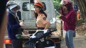 Bị ném đá vì một bức ảnh chụp lén, nữ CSGT buộc phải khóa trang cá nhân