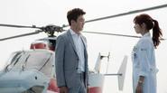 """Rating """"Doctors"""" tăng mạnh, Park Shin Hye gặp lại Kim Rae Won sau 13 năm"""