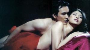 Những Hoa hậu Việt 'cởi bạo' nhất trong phim