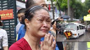 Người dân ra phố nghẹn ngào tiễn biệt các chiến sĩ Casa-212 về với đất mẹ